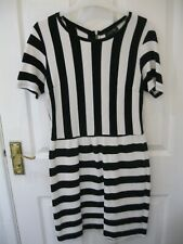 TOPSHOP DRESS SIZE 10 BLACK WHITE RIBBED SKATER BODYCON SWING 50S halloween