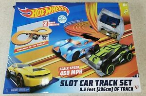 Hot Wheels Slot Car Track Set 9.3ft 2 Turbo Boosters New Damaged Box