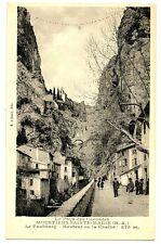 CPSM 04 Alpes de Haute-Provence Moustiers-Ste-Marie Le Faubourg animé