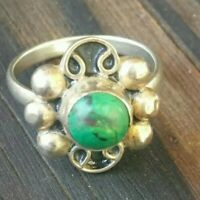 Beautiful Sterling Silver Vintage Green Turquoise Ring - Size 8