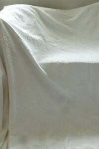 Vintage style very white thick embossed double bedspread quilt throw