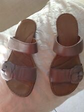 """Easy Spirit Sandals """"Esnessie""""  Shimering Beige  8.5M"""