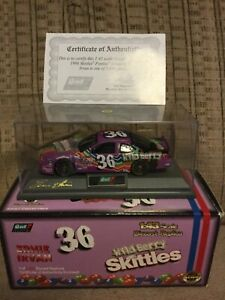 1998 ERNIE IRVAN 1/43 REVELL COLLECTION #36 WILD BERRY SKITTLES PONTIAC CAR