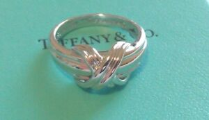 TIFFANY & CO - SOLID 18K WHITE GOLD SIGNATURE X KISS RING SIZE 6.75