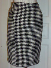 BEAUTIFUL GENTLY WORN CYNTHIA STEFFE FULLY LINED WOOL SKIRT IN GREAT CONDITION !