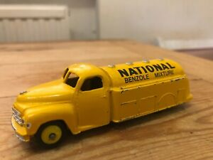 DINKY TOYS STUDEBAKER PETROL TANKER 'NATIONAL BENZOLE MIXTURE' NO. 443