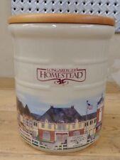 Longaberger Homestead 2 Quart Crock w/ Wood Lid Great Condition
