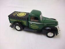 Liberty Classics 1:25 1940 Ford Pickup with Tonneau Cover Bank #62513 NIB