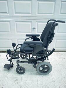 "Quickie IRIS SE Tilt In Space  adjustable Wheelchair 17""x18"""