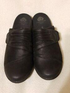 Clarks Ladies Cloudsteppers Black Faux Leather Mules Sz 8 M- Excellent Condition