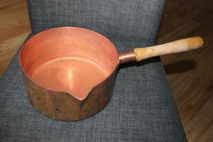 Kupferkasserolle mit Holzstiel aus Gastronomie