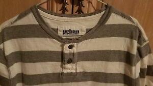 Mens Urban Pipeline Lg Short Sleeve Heather Grey & White 2 Button Shirt! VG cond