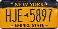 New York  License Plate, original Nummernschilder mit stärkeren Gebrauchsspuren