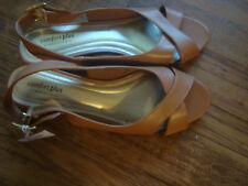 NWT**WOMENS ALMOND COLORED SUMMER DRESSY SHOES**SIZE 9/1/2**COMFORT PLUS