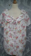 Beautiful White Short Sleeve Blouse with Pink Rose Print and Ruffle Neck Size 22
