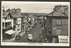 Postcard Kendal Cumbria busy view of Stricklandgate cars shops RP