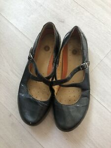 Clarks Unstructured Patent Pearl Black Blue Strappy Mary Jane Shoes Sz 6.5 D