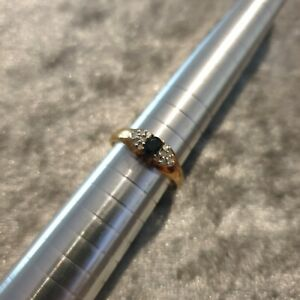 9ct Yellow gold ring - Sapphire and diamond - UK size M