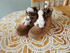 Infant Girls Ugg Winter Boots Size UK 7, EU 25