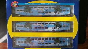 Athearn HO SCALE Florida TriRail 2585 Bombardier 3 car set