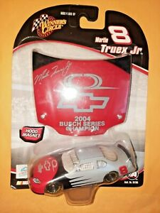 MARTIN TRUEX JR 2005 CHANCE 2 TEST 1:64 WINNERS CIRCLE DIECAST CAR WITH HOOD