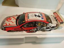 1:18 Scale Classic Carlectables Garth Tander 2009 HRT Holden VE Commodore