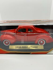 1:18 Motor Max 1940 Ford Deluxe Diecast - Die-cast Collection