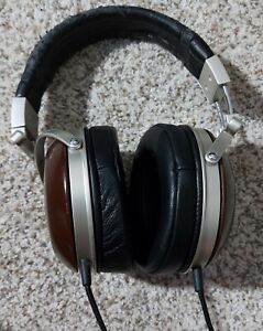 Denon ah-d5000 Wood, Over Ear, Closed Back Headphones W/ Dekoni Sheepskin Pads