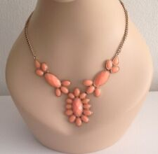GORGEOUS PRE-LOVED NECKLACE - GOLDTONE CHAIN w PEACH LUCITE DESIGN- STAMPED 'N'