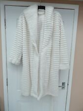 Ladies M & S White hooded dressing gown size 16-18
