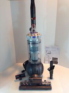 Dyson DC41 Vacuum - Multi floor Bagless Silver Ball - Refurbished