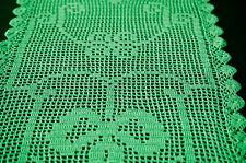 Vintage, grüner rechteckiger gehäkelter TischLäufer, Häkeldeckchen, handmade,
