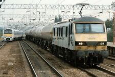 PHOTO  CLASS 90 ELECTRIC LOCO NO 90138 LEADING 323321 321336 AT COLCHESTER 1993