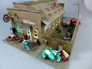 HO Woodland Scenics Deuce's Bike Shop