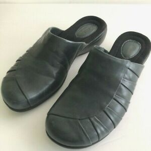 Clarks Women's 8M Ruthie Leather Mule Clog Comfort Shoe Dark Blue