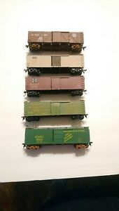 Walthers/etc HO Train Lot of 5 Kit Built Rolling Stock Freight Cars RTR