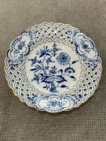 Antique German Meissen Porcelain Reticulated Blue Onion Plate w/ Gold Highlights
