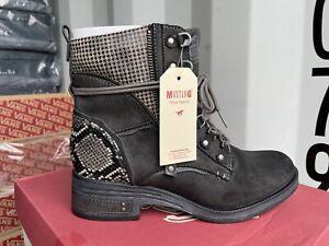 Mustang Womens Lace Up Snakskin Detail Boots - Size 6 - BNIB