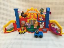 2006 Fisher Price Little People Amazing Animals Circus With 14 Figures, G4