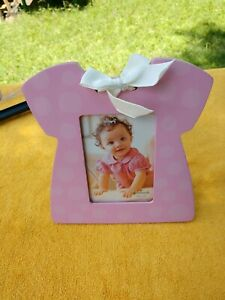 """Hallmark Pink Baby Frame 3 1/2"""" X 5"""" With Bow Glass Front New with Tags"""
