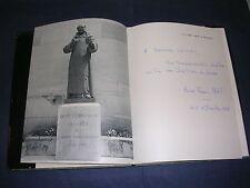 Vins Champagne Moët et Chandon album ill.de photographie dédicacé par M.Moët1970