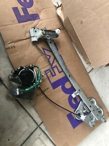 99 00 01 LEXUS ES300 LEFT LH FRONT DRIVER SIDE WINDOW REGULATOR W/ MOTOR OEM