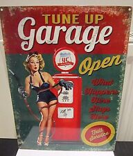 TUNE UP GARAGE PETROL PUMP & PIN-UP, VINTAGE-STYLE METAL SIGN 40X30cm (LARGE)