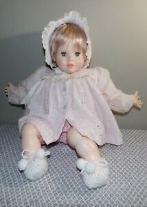 """Vintage Suzanne Gibson 20"""" baby doll with adorable original outfit  - 1980's"""