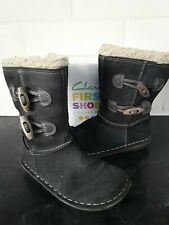 CLARKS GIRLS LEATHER BOOTS Size 7 E GOOD CONDITION No Marking