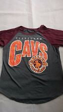 Cleveland Cavaliers Hardwood Classic Women's NBA T-Shirt Large Mighty Fine Brand