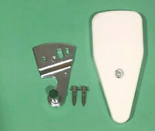 GE REFRIGERATOR RIGHT DOOR TOP HINGE WITH COVER & SCREWS WR2X8825 WR13X659