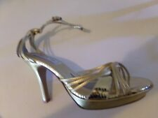 """TOUCH UPS Dressy/Prom 4"""" Heels Open Toe Ankle Straps Gold Shiny Heels Size 8 EUC"""