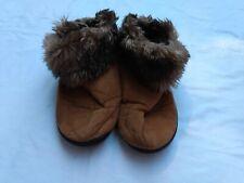 Isotoner Women Slipper Size 8.5 Faux Fur Trim Booties