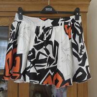 Lipsy, Ivory bold print Mini Skirt size 10 immaculate